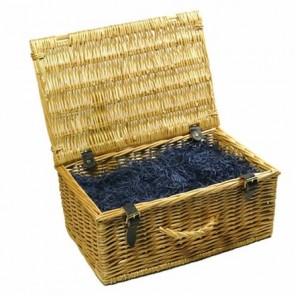 Large traditional wicker hamper (up to 24 items)